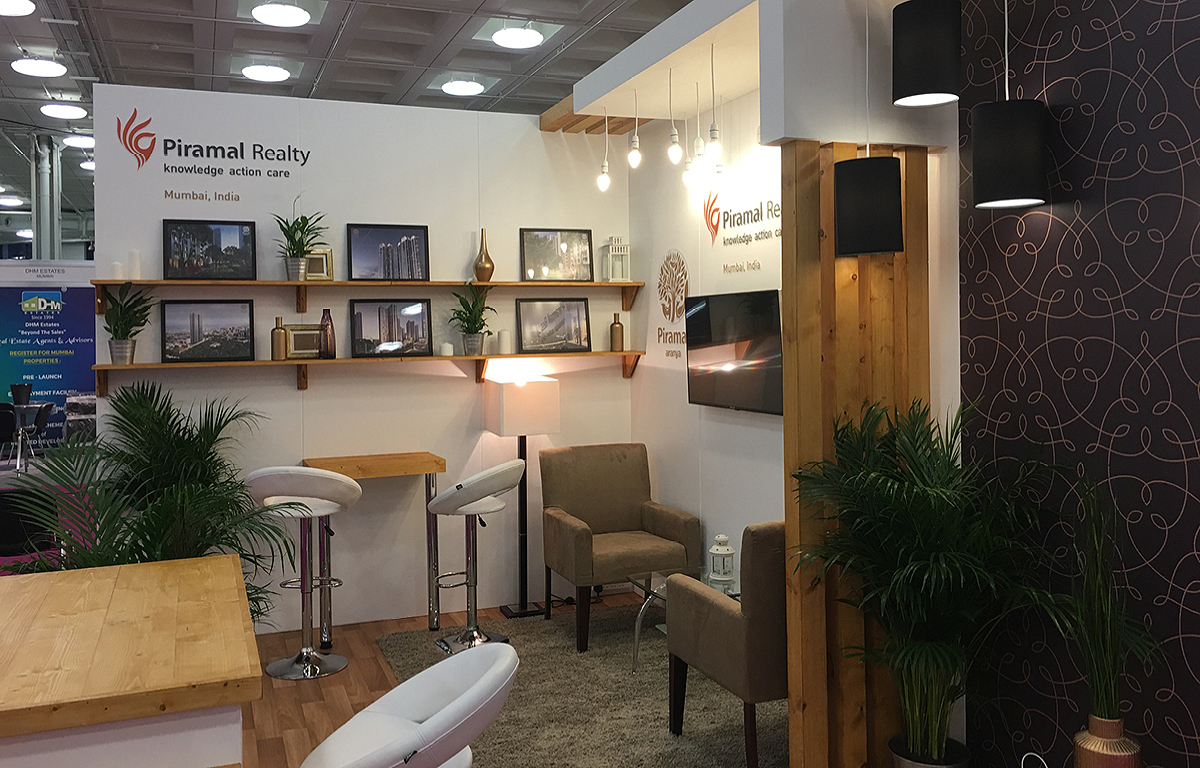 Piramal Reality exhibition stand (1)